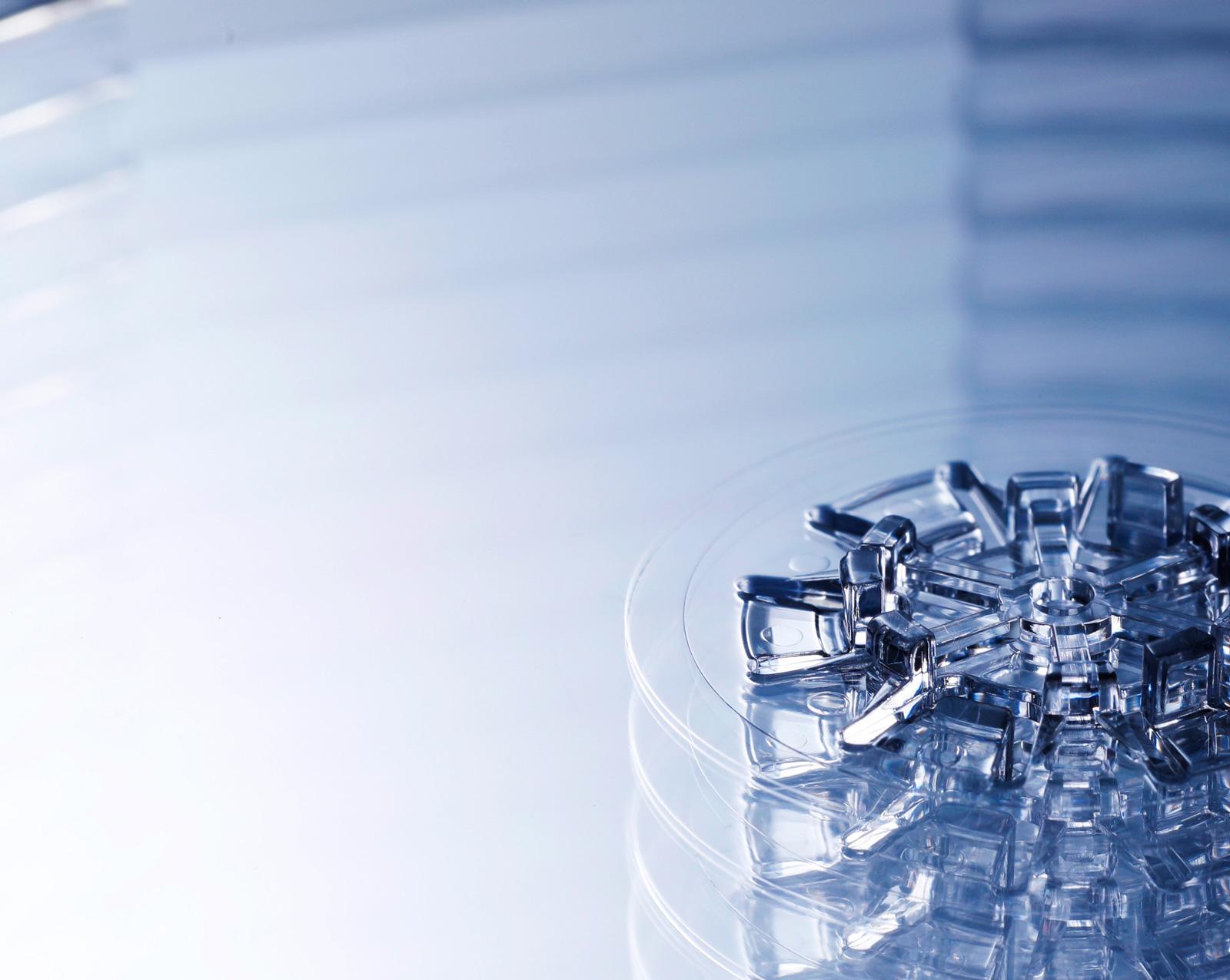 PLASTIC IS BEAUTIFUL プラスチックの特性と可能性